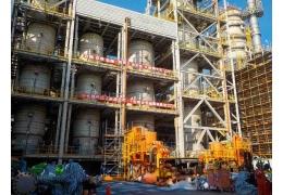 基礎油廠MSDW定檢觸媒卸裝工程